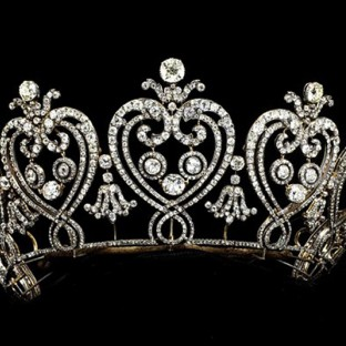 Manchester Diamond Tiara, Cartier, 1903. Victoria and Albert Museum.