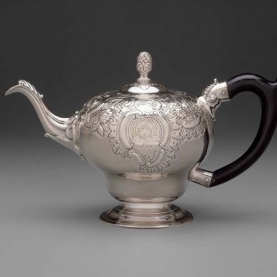 Silver teapot by Paul Revere, Jr. (1734-1818), Boston, Massachusetts, 1760-1765