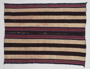 Wearing blanket;Diné (Navajo)